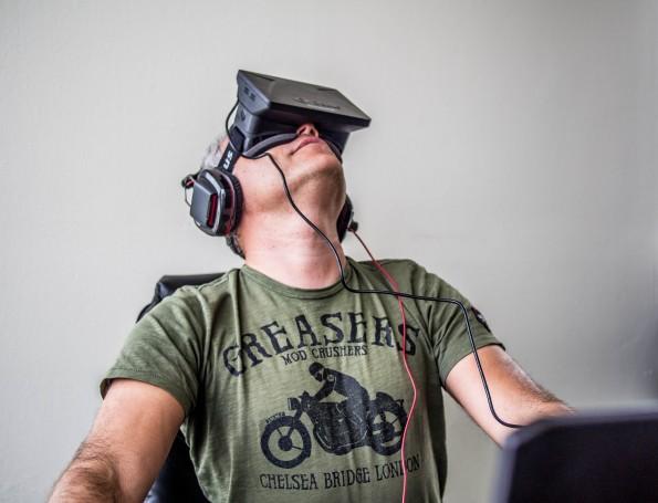Zuckerberg möchte eine Virtual reality Plattform erschaffen. (Foto: Sergey Galyonkin  / flickr.com, Lizenz: CC-BY-SA )